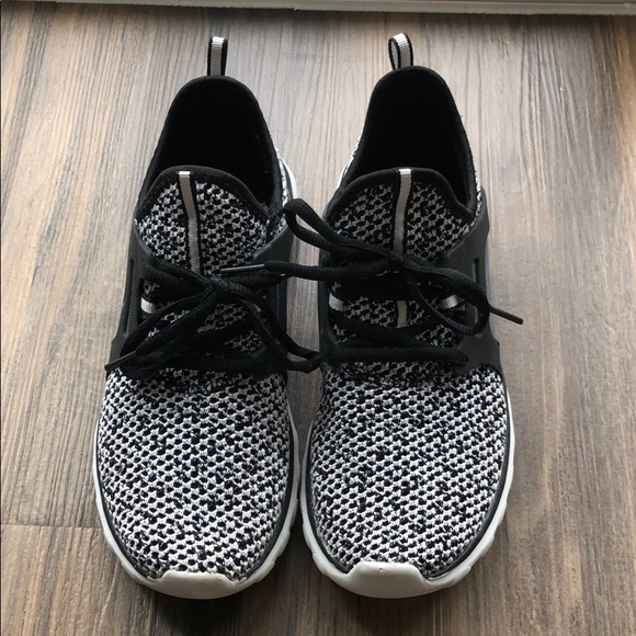 7d309fbf42f Champion Shoes - C9 sneaker